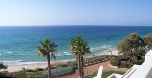 right balcony netanya